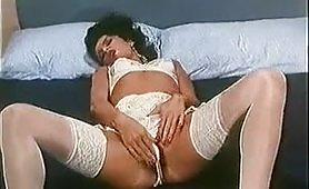 Seducente mora in lingerie con il culo sfondato