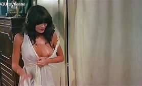 Pamela Prati e Susan Scott in La moglie in bianco...