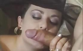 Elegante signora formosa scopata ed inculata