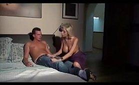 Scena porno incestuosa ripresa dal film Incesti Italiani 23: Zia Evita