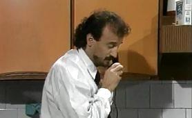 Scena porno classico italiano di una bella orgia