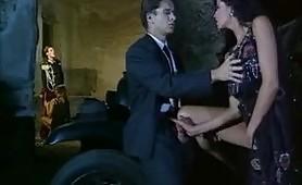 Un calda scena porno vintage all`aperto in francese