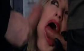 Video porno italiano con una calda biondina gran bocchinara