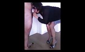 Claudia, moglie porcellina occhialuta di Fiumicino succhia golosa